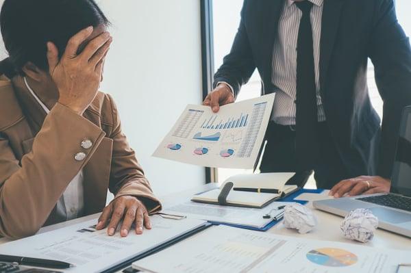 blaming-business_management